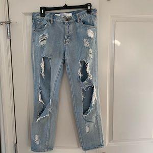 Brandy Melville | Ripped Boyfriend Jeans